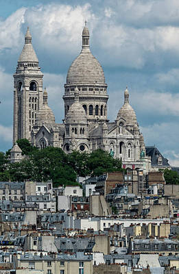 Photograph - Sacre Coeur Above The Rooftops by Gary Karlsen