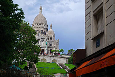 Sacre Coeur Photograph - Sacre Coeur In Paris, France by Toby McGuire