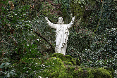 Photograph - Sacred Heart Of Jesus Statue by Jit Lim