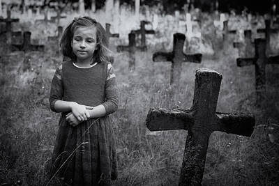 Graveyard Photograph - Sadness by Mirjam Delrue