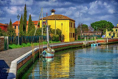 Photograph - Sailboat And Yellow House Burano Venice_dsc5535_03072017 by Greg Kluempers