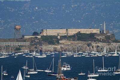Sailboats In The San Francisco Bay Overlooking Alcatraz . 7d8080 Art Print