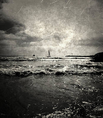 Photograph - Sailing Away by Glenn McCarthy
