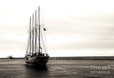 Sailing Lake Michigan Art Print by John Rizzuto