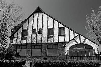 Photograph - Saint Clair Inn Pre-restoration Bw by Mary Bedy