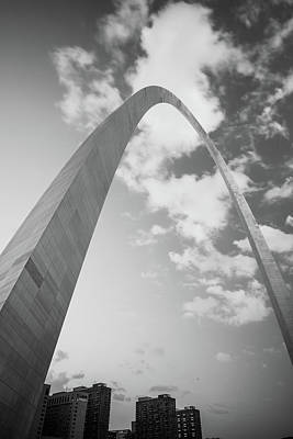 Photograph - Saint Louis Vertical Arch And Skyline Black And White by Gregory Ballos