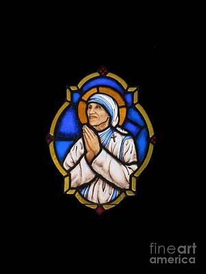 Saint Mother Theresa Of Calcutta Art Print by Elizabeth Duggan