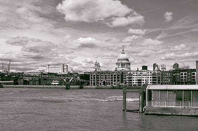 Briex Photograph - Saint Pauls Cathedral Along The Thames by Nop Briex