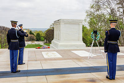 Photograph - Salute To The Unknown Soldier by SR Green