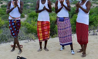 Exploramum Wall Art - Photograph - Samburu Tribesmen Clapping by Exploramum Exploramum