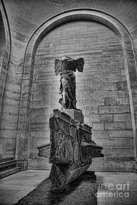Nike Photograph - Samothrace Bw by Chuck Kuhn