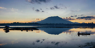 Photograph - Sampaloc Lake Morning by Roy Cruz