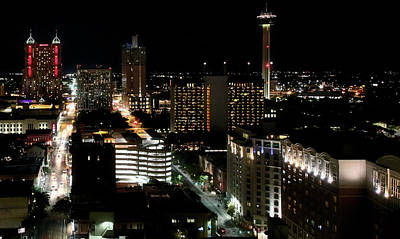 Photograph - San Antonio Skyline by Robert McCubbin