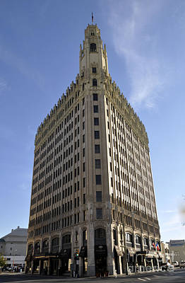 Photograph - San Antonio Building 2 by Andrew Dinh