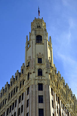 Photograph - San Antonio Building 3 by Andrew Dinh