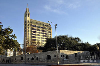 Photograph - San Antonio Building by Andrew Dinh