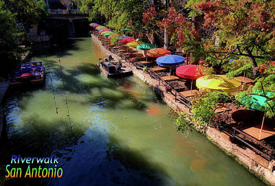Photograph - San Antonio Riverwalk by Robert McCubbin