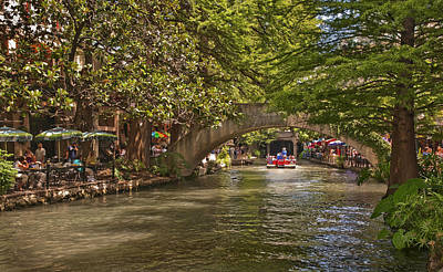 Riverwalk Photograph - San Antonio Riverwalk by Steven Sparks