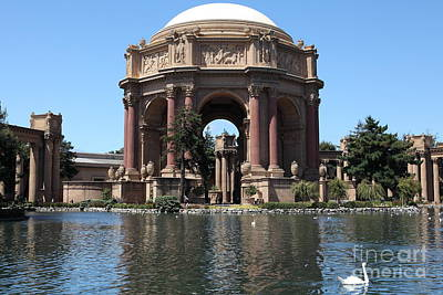 Photograph - San Francisco Palace Of Fine Arts - 5d18081 by Wingsdomain Art and Photography