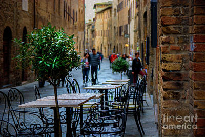 Photograph - San Gimignano by Stuart Row