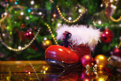 Glass Table Reflection Photograph - Santa-claus Boot by Carlos Caetano