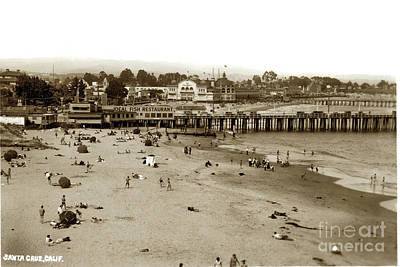 Photograph - Santa Cruz Beach With Ideal Fish Restaurant 1930's by California Views Mr Pat Hathaway Archives