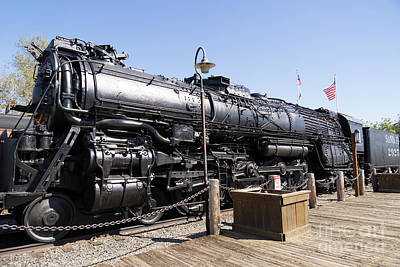 Photograph - Santa Fe Steam Locomotive Engine Number 2925 At Old Sacramento California Dsc4920 by Wingsdomain Art and Photography
