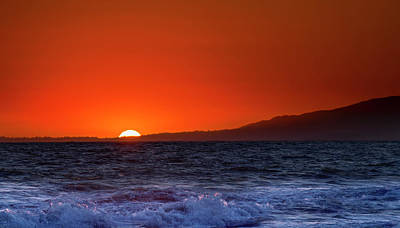 Photograph - Santa Monica Sunset by Mark Andrew Thomas
