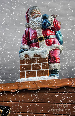 Photograph - Santa On The Chimney by Steve Purnell