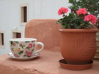 Santorini Greece Cafe Teacup And Flowerpot Art Print by Nikki Bordon