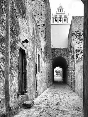 Buildings And Narrow Lanes Photograph - Santorini Passageway Bw by Phyllis Taylor