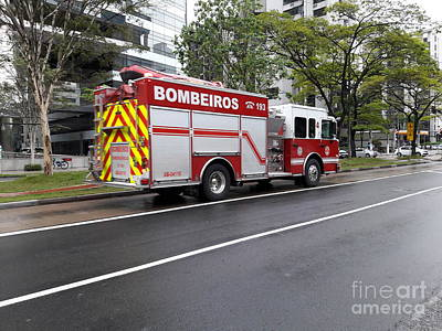 Photograph - Fire Engine In Sao Paulo - Brazil by Carlos Alkmin