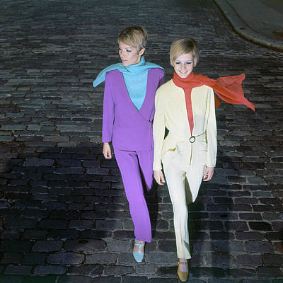 Photograph - Sara Crichton-stuart And Twiggy by Ray Traeger