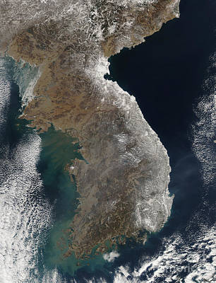 Land Feature Photograph - Satellite View Of Snowfall Along South by Stocktrek Images