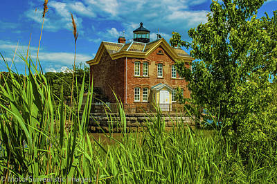 Saugerties Photograph - Saugerties Lighthouse by Nicholas Costanzo