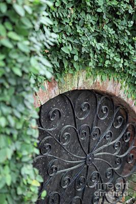Photograph - Savannah Circle Window by Heather Green
