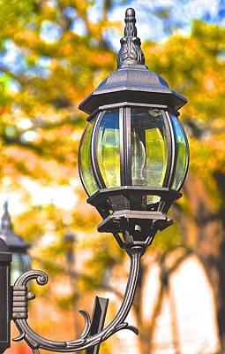 Photograph - Savannah Street Light  by Gwendolyn Christopher