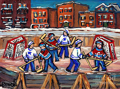 Kids Playing Hockey Painting - Scene Urbain De Montreal Avec Patinoire De Hockey A L'exterieur Verdun En Hiver by Carole Spandau