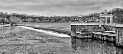 Photograph - Schuylkill River - Fairmount Dam - Philadelphia Pa In Black And White by Bill Cannon