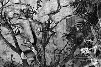 Screaming Statue Original by Munir Alawi