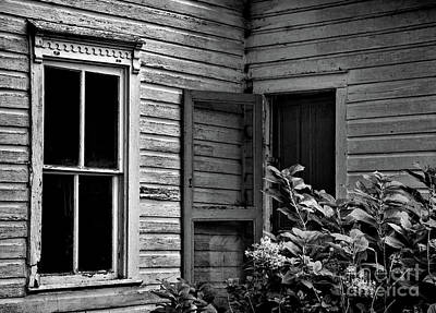 Photograph - Screen To The Past by Randy Rogers
