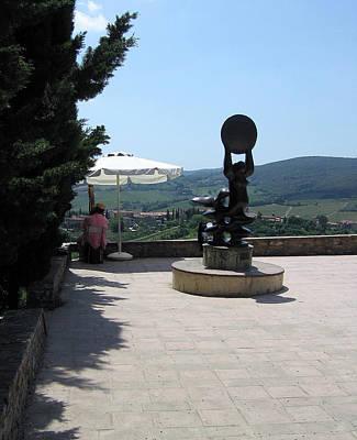 Sculpture At San Gimignano Art Print by Linda Ryan