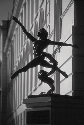 Sculpture London  Art Print by Douglas Pike