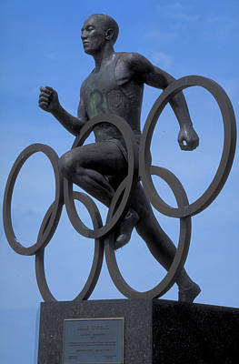 Sculpture Of Jesse Owens  Art Print