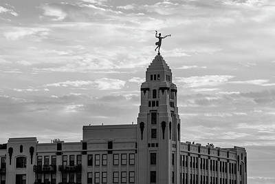 Photograph - Sculture On Building Chicago  by John McGraw