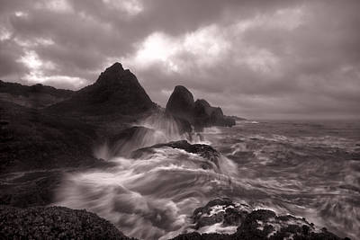 Photograph - Seal Rock Thunder by Tod Colbert