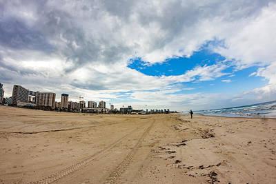 Photograph - Seascape Vs Cityscape by Mark Perelmuter