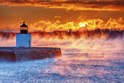 Seasmoke At Salem Lighthouse Art Print