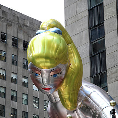 Installation Art Photograph - Seated Ballerina Rockefeller Plaza 7 by Nishanth Gopinathan