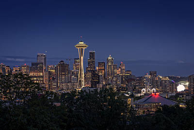 Photograph - Seattle At Night by Rick Berk